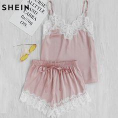 Шеин Для женщин одежда для сна летняя пикантная Пижамы для девочек Кружево отделкой атласная Спагетти ремень Cami футболка и шорты пижамный комплект купить на AliExpress