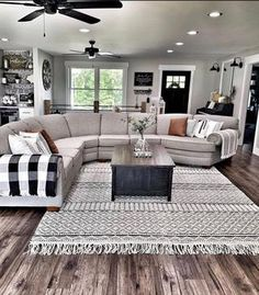 Design Living Room, Living Room Interior, Home Living Room, Apartment Living, Living Room Remodel, Interior Rugs, Interior Modern, Small Living Rooms, Kitchen Remodel