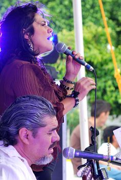 """Nezahualcóyotl, Méx. 27 Junio 2013. Marilú Zanella y Fernando Salazar, el """"Dueto FM"""" abrió su presentación con canciones de la extraordinaria Amparo Ochoa."""