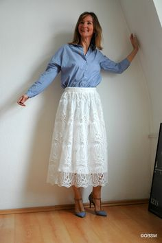 Women flared white high waisted midiskirt. Oceanblue Style at Manderley. #fashionblog #over40