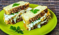 Un sandwich Dukan cu carne si ou este perfect pentru orice gustare pentru ca intruneste cerintele dietei Dukan. Are proteinele si taratele necesare zilnic.