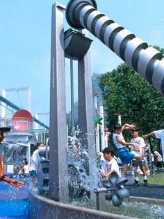 We thought about different possibilities of water supply which small and big children can try out and use with great fun. Outdoor Playground, Water Play, Water Supply, Swings, Marina Bay Sands, Public, Urban, Architecture, Building