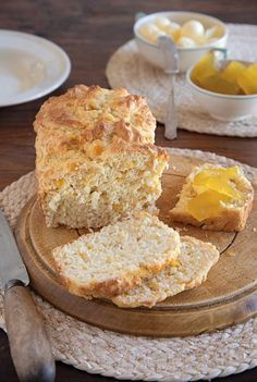 mieliebrood (Bread with corn kernels in it) Top Recipes, Wine Recipes, Bread Recipes, Baking Recipes, Recipies, Flapjack Recipe, Sweet Cornbread, Types Of Bread, South African Recipes