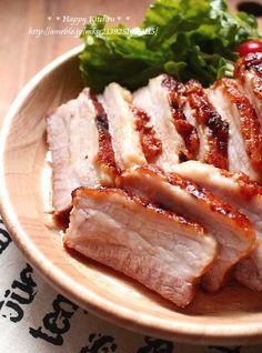 めっちゃ簡単!とろっとろ*めちゃ旨ローストポーク【日持ちします】 | たっきーママ オフィシャルブログ「たっきーママ@Happy kitchen」Powered by Ameba Pork Recipes, Asian Recipes, Gourmet Recipes, Cooking Recipes, Asian Cooking, Easy Cooking, Wan Tan, My Favorite Food, Favorite Recipes