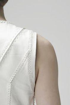 stitching details/lacing