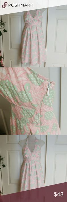Vineyard Vines 100 % Cotton Dress Very elegant and classy pink, light green, and white floral Vineyard Vines dress  Close with zipper on the left side One pocket on each side  Very minimal wear Excellent condition Vineyard Vines Dresses Midi