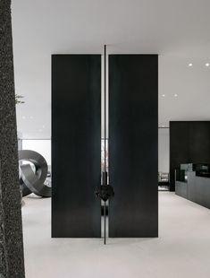 Arch Interior, Flat Interior, Interior Walls, Interior Design Living Room, Interior Architecture, Interior Decorating, Tall Cabinet Storage, Locker Storage, Hallway Ceiling