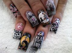 The Nightmare Before Christmas Nails Not into acrylics or long nails but this The Nightmare Before Christmas Nails Not into acrylics or long nails but this is pretty awesome. Source by aprillogea Halloween Nail Designs, Halloween Nail Art, Halloween Halloween, Super Cute Nails, Pretty Nails, Christmas Nail Art, Holiday Nails, Hot Nails, Hair And Nails