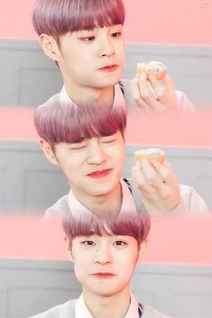He is very cuteee~~♡