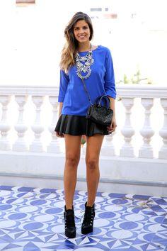 falda cuero necklace