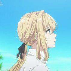 Manga Anime, Anime Art, Aesthetic Art, Aesthetic Anime, Imagenes Dark, Violet Garden, Blonde Anime Girl, Violet Evergarden Anime, Some Beautiful Pictures