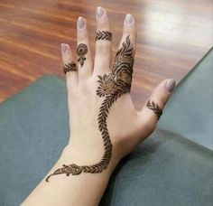 Top 25 Bracelet Mehndi Designs For All Occasions Khafif Mehndi Design, Mehndi Designs Feet, Stylish Mehndi Designs, Mehndi Design Pictures, Beautiful Mehndi Design, Bridal Mehndi Designs, Mehndi Images, Mehandi Designs, Finger Henna Designs
