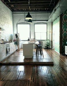 Con piso rustico.