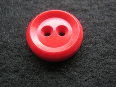 30 Stück Blusen/Hemdknöpfe Rot,Durchmesser ca.18 mm,Neu,Lübecker Knopfmanufaktur von Knopfshop auf Etsy