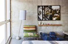 The Line di Los Angeles: il nuovo hotel dallo stile ruvido, recentemente ristrutturato su progetto dello studio Knibb Design. Pareti di cemento lucido, tessuti colorati, arredi di design e stampe fotografiche astratte.
