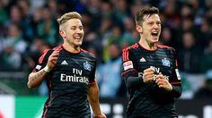 Werder - HSV 1:3 – HSV feiert irren Freistoß-Knaller - Bundesliga Saison 2015/16 http://www.bild.de/bundesliga/1-liga/saison-2015-2016/spielbericht-sv-werder-bremen-gegen-hamburger-sv-am-14-Spieltag-41764616.bild.html