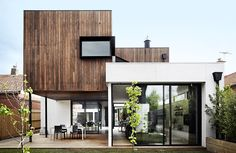 A dilapidated Edwardian house in Melbourne is transformed into a sleek, modern family home that still fits in with its older neighbours. Take a tour. Modern Exterior, Exterior Design, Modern Family House, Open Living Area, Edwardian House, Melbourne House, Australian Homes, House Extensions, Home Fashion