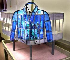 Many Milwaukeeans will remember New York artist Dennis Oppenheim for his ???Blue Shirt,??? a public art project that was commissioned by Milwaukee County but terminated before it was built.