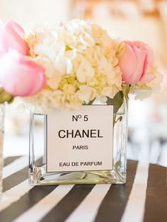 How To Have The Ultimate Chanel Themed Bridal Shower Step Make it Paris themed! Chanel Bridal Shower, Paris Bridal Shower, Chic Bridal Showers, Elegant Bridal Shower, Bridal Shower Cakes, Bridal Shower Decorations, Chanel Wedding, Chanel Party, Bridal Shower Flowers
