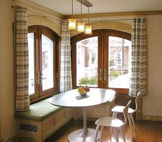 Banquette-for-your-kitchen-room4