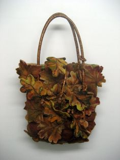 Wet felted bag with leafy design. Shared by Career Path Design. Nuno Felting, Needle Felting, Wooly Bully, Little Acorns, Creative Textiles, Felt Purse, Wool Art, Art Bag, Felt Art