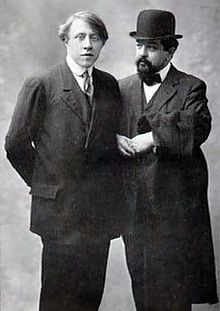Claude Debussy and the Ron weasley look-alike Robert Baden Powell, Claude Debussy, Mundo Musical, Edwardian Costumes, Classical Music Composers, The Jam Band, Music Images, Ron Weasley, Concert Hall