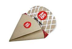 's Crepes Packaging by Lauren Schimming, via Behance Beverage Packaging, Food Packaging, Packaging Design, Crepes, Origami, Mobile Cafe, Kegel, Logo Restaurant, Branding