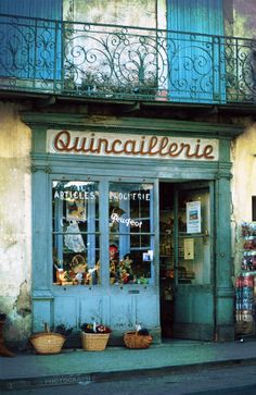 Quicaillerie in Sault, Provence (France)