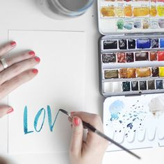 Here's a rundown of the basics of hand lettering, plus a guide to the best free tutorials and tips for mastering an old art that's been given another breath of life.