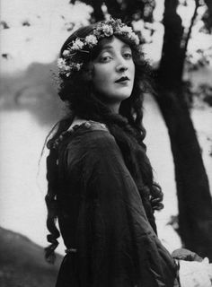 Gwen Richardson as Celia in 'As You Like It', 1921.