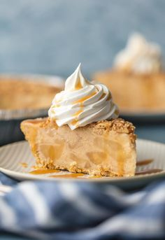 CARAMEL APPLE FREEZER PIE is the ultimate easy frozen dessert! Made with caramel ice cream, apple cider, and apple pie filling; it's sure to please and whipped up in minutes. YUM!