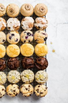Anything But Basic Muffin Recipe (with 9 variations!) Alles andere als Muffin-Grundrezept (mit 9 Variationen! Slow Cooker Desserts, No Bake Desserts, Dessert Recipes, Baking Recipes Cupcakes, Breakfast And Brunch, Breakfast Recipes, Breakfast Potatoes, Breakfast Muffins, Mini Muffins