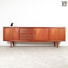 New on www.19west.de: a large danish teak sideboard designed in the 1960's by Gunni Omann for Acel Christensen. #19west #vintage #design #designclassic #mcm #20thcentury #midcentury #1950's #1960's #danishdesign #teak #interior #home