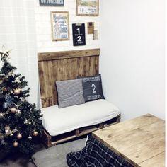 eri417kさんの、リビング,DIY,リメイク,板壁,こたつ,賃貸,クリスマスツリー,こたつ天板DIY,発泡スチロールレンガ風,すのこソファーDIY,のお部屋写真
