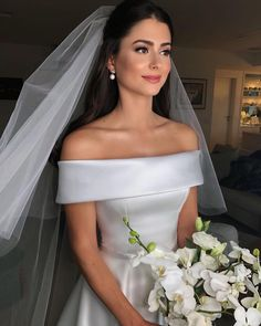 32 New Ideas wedding dresses romantic vintage bridesmaid Dream Wedding Dresses, Wedding Gowns, Wedding Bouquets, Classy Wedding Dress, Braut Make-up, Dream Dress, Wedding Bells, Bridal Gowns, Beautiful Dresses