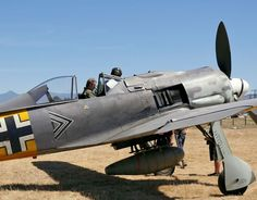 An admiration of the beauty of the classic warbirds. Aircraft Photos, Ww2 Aircraft, Fighter Aircraft, Military Aircraft, Luftwaffe, Focke Wulf 190, Nasa History, Ww2 History, Ww2 Planes