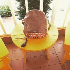 @pegileine sur Instagram: Un voyage au soleil et donc il me fallait un sac aux couleurs locales ! Chose faite quelques heures avant le départ et un sac très utile…