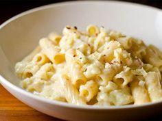 Pasta with cauliflower (Italian recipe) - Cuisine Side Dishes Easy, Side Dish Recipes, Pasta Recipes, Recipe Pasta, Dishes Recipes, Italian Snacks, Italian Recipes, Pasta Dishes, Food Dishes
