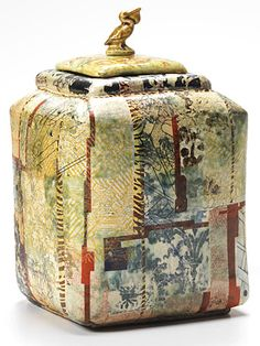 Robert Cooper Pelican Tea Caddy; Robert Cooper is an established ceramicist who has exhibited widely in the UK and internationally.