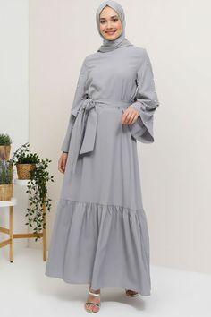 28b434bc7a0c7 Tavin Gri İncili Volan Detaylı Elbise Online Satış, İndirimli Satın Al