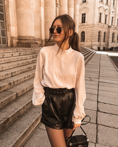 Short Outfits, Cute Outfits, Paris Mode, Leather Shorts, Trends, Aesthetic Fashion, Winter Looks, Parisian Style, Dress To Impress