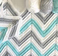 Love this pattern Chevron Crochet Blanket Pattern, Crochet Ripple, Crochet Afgans, Manta Crochet, Crochet Bebe, Crochet Cross, Baby Blanket Crochet, Diy Crochet, Crochet Stitches