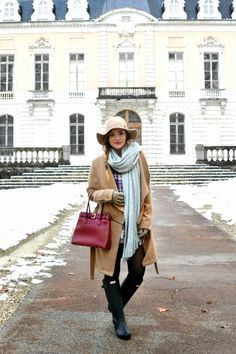 The Blonde and Brown Girl Blog wearing the Hunter Original Tall boots