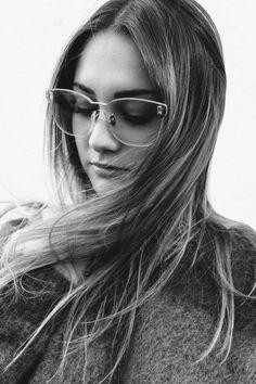 Black And White Photography, Street Style, Long Hair Styles, Artist, Beauty, Fashion, Black White Photography, Moda, Urban Taste