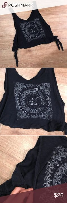 8dc283af1020a Free People grey tattered boho crop top Size medium. Arm holes are open and  deep