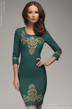 Платье изумрудное с золотой отделкой