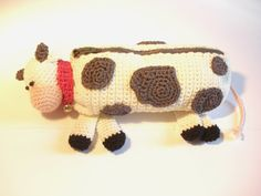 Hey, I found this really awesome Etsy listing at https://www.etsy.com/pt/listing/177139396/cow-crochet-case-holder-organizer-pen