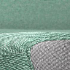 PURE INTERIOR Edition 12 #Türkis Mehr Design für dein #HomeOffice. Mit einer vielfältigen und hochwertigen Stoffauswahl und ihrem ergonomischen Design vereint die PURE INTERIOR Edition bequemes und ergonomisches Sitzen. Das Design und die Farbgebung des PURE machen ihn zu einem optischen Leichtgewicht. Farblich abgestimmt bringt er sich in das Home Office ein und kann sich gleichzeitig zurücknehmen. #schreibtischstuhl #arbeitszimmer #design #Stoff #interstuhl Home Office, Pure Home, Designer, Pure Products, Rugs, Interior, Home Decor, Farmhouse Rugs, Decoration Home