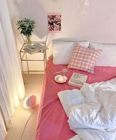 Room Ideas Bedroom, Small Room Bedroom, Bedroom Decor, Dream Rooms, Dream Bedroom, Deco Studio, Pastel Room, Pastel Decor, Indie Room