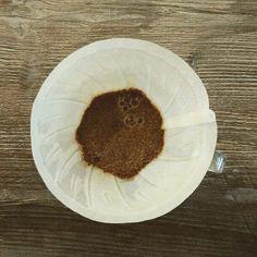 Ich probiere ständig neue Kaffeesorten der Hario Handfilter ist perfekt dafür geeignet kleine Mengen zuzubereiten und zu experimentieren.  Kann ich nur empfehlen!  #kaffee #handfilter #hario #kaffeebohnen #kaffeeliebe #kaffeepause
